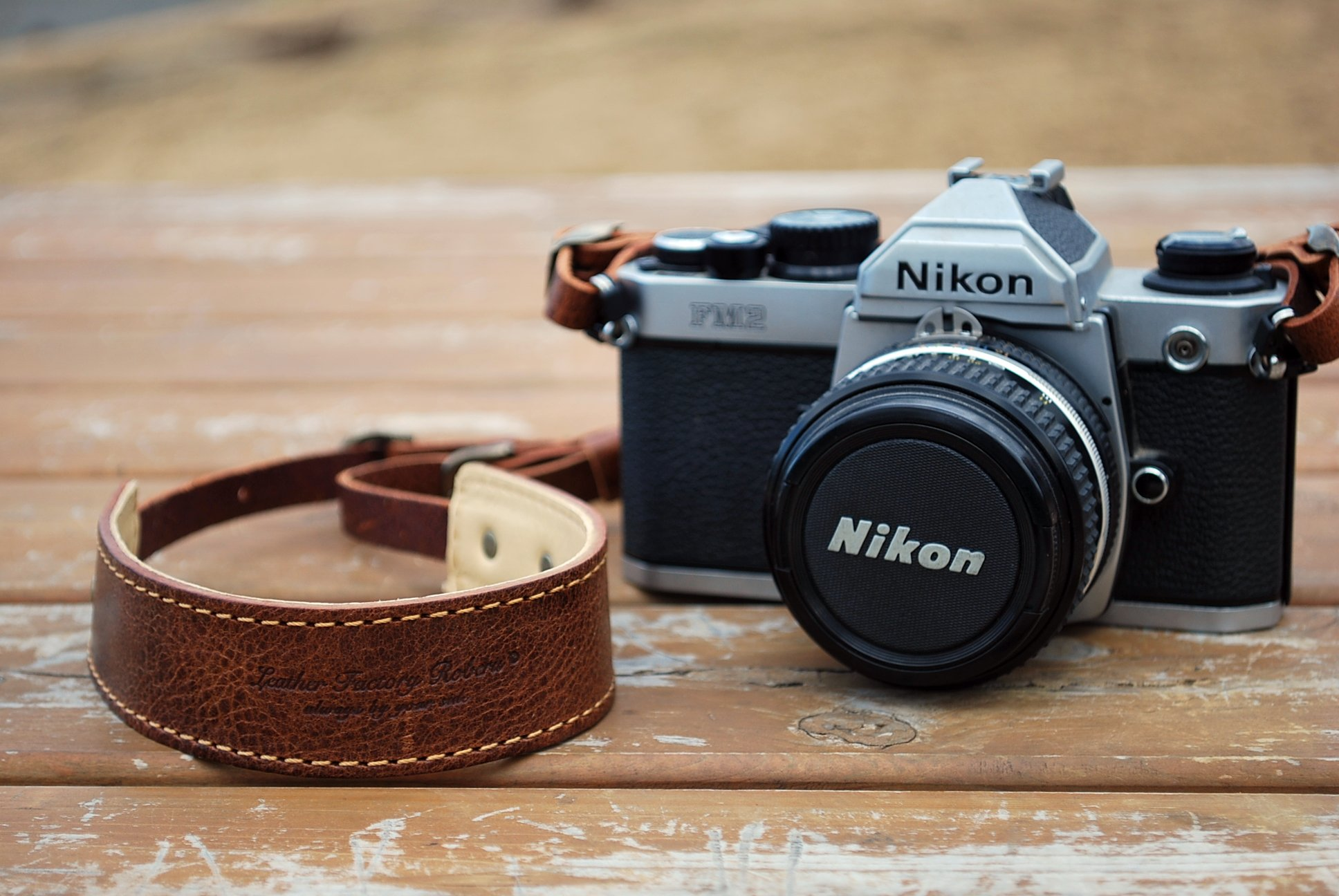 Roberu Oil Leather Camera Strap