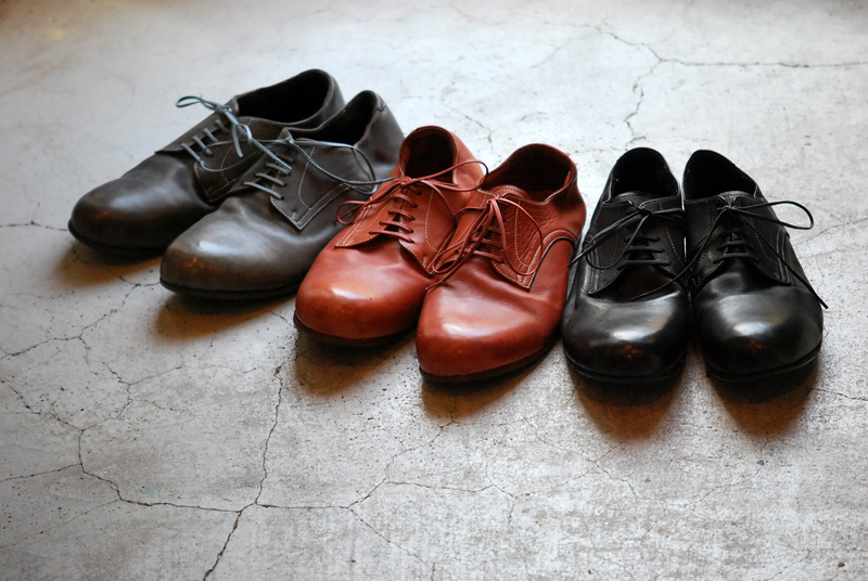Roberu Piece Dyed Shoes